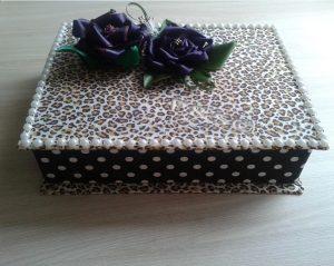 caixa com marca dagua